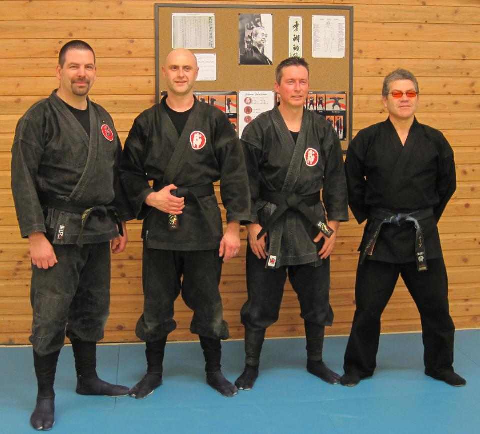 You've got to hand it to them, Ninjutsu guys have pretty cool uniforms